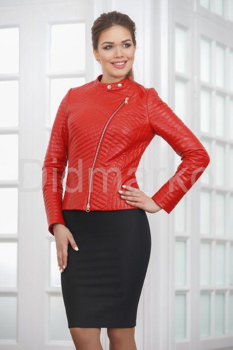 Стеганая кожаная куртка косуха красного цвета. Фото 4.