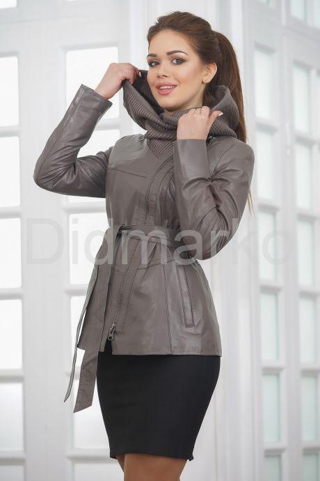 Классическая кожаная куртка с капюшоном. Фото 3.