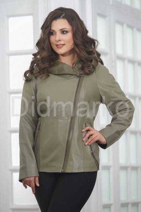 Женская кожаная куртка косуха с капюшоном. Фото 3.
