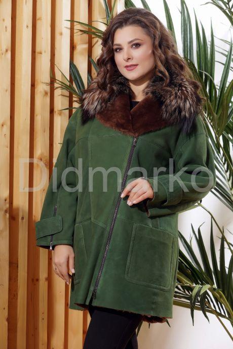Женская дубленка зеленого цвета с воротником из меха лисы. Фото 7.