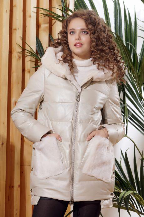 Зимняя кожаная куртка  с капюшоном цвета слоновой кости. Фото 5.