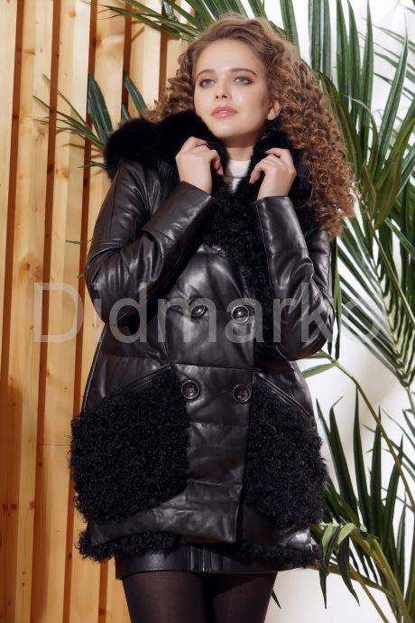 Стильный кожаный пуховик с мехом барашка. Фото 3.