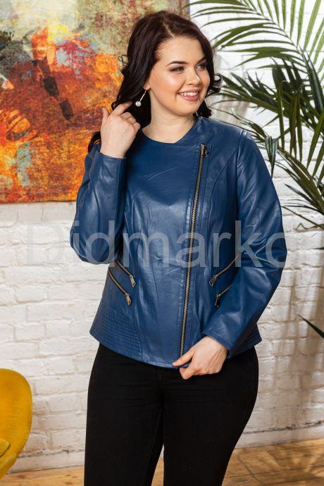Модная куртка больших размеров небесного цвета. Фото 8.