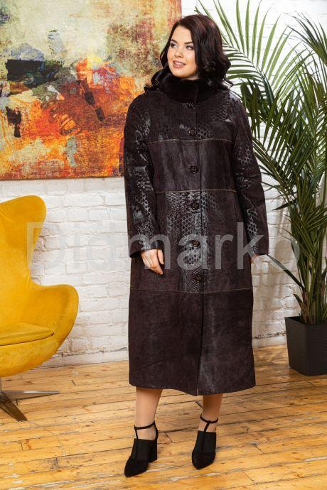 Длинное пальто из замши темного пурпурного цвета. Фото 5.