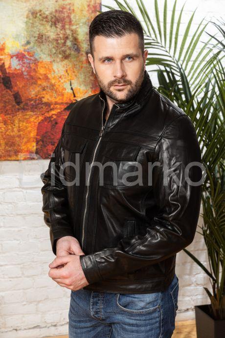 Мужская кожаная куртка черного цвета, артикул DM634