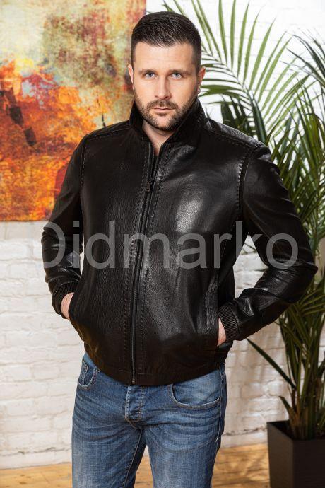 Мужская кожаная куртка на резинке черного цвета, артикул DML7