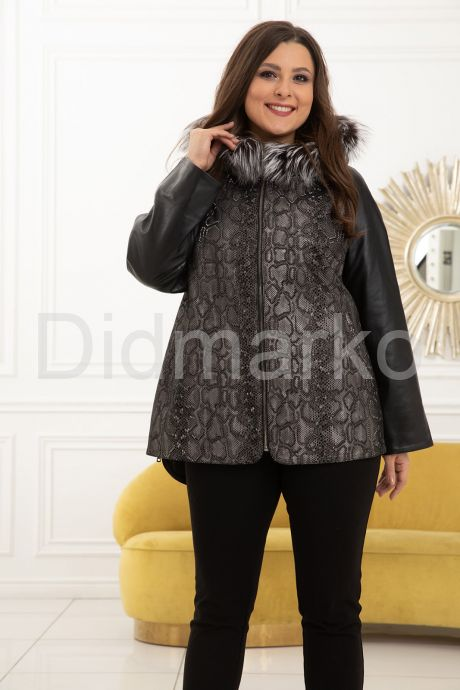 Демисезонная кожаная куртка с принтом питона. Фото 7.