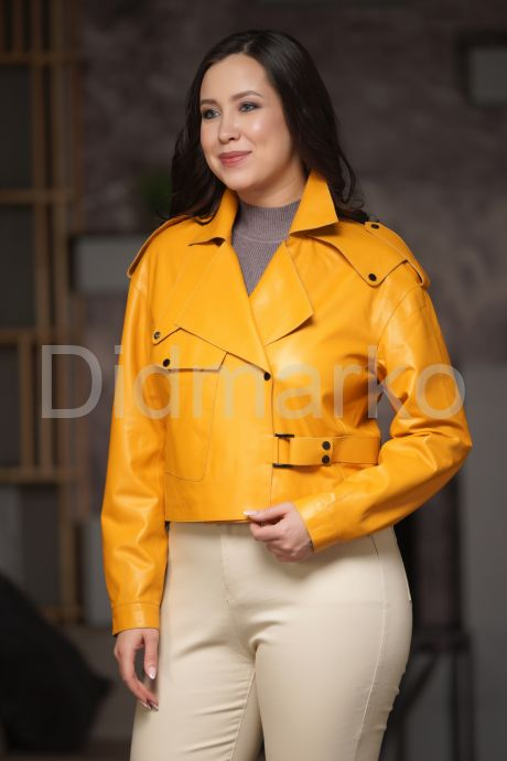 Эксклюзивная кожаная куртка яркого цвета. Фото 1.