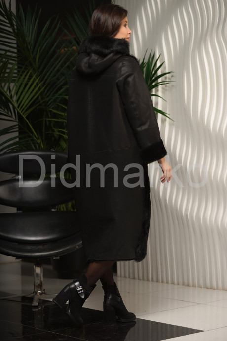 Длинная дубленка с мехом тоскана черного цвета