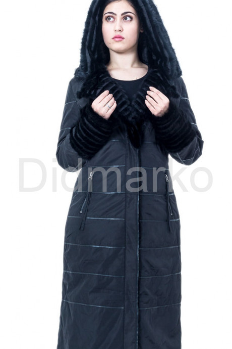 Демисезонное пальто черного цвета