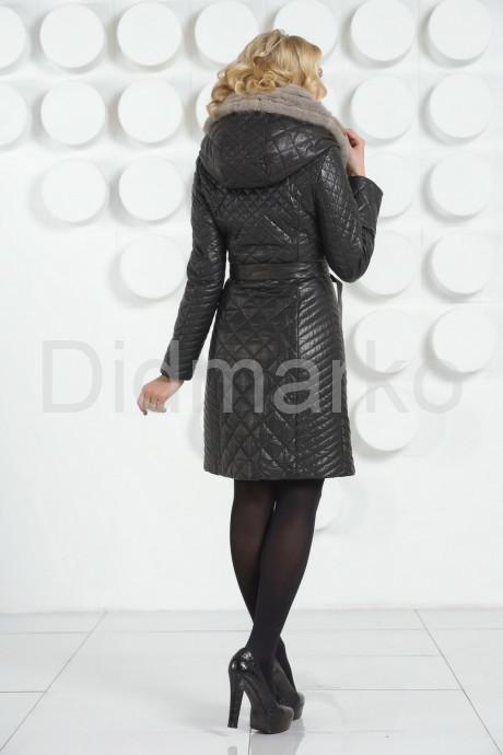 Кожаное стеганое пальто черного цвета