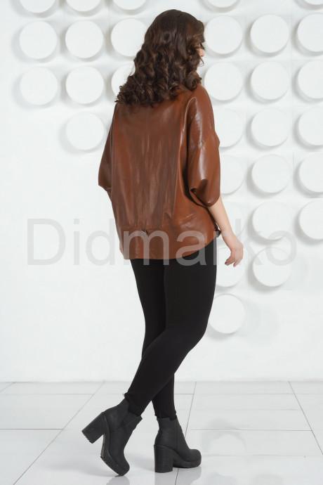 Коричневая кожаная куртка для женщин