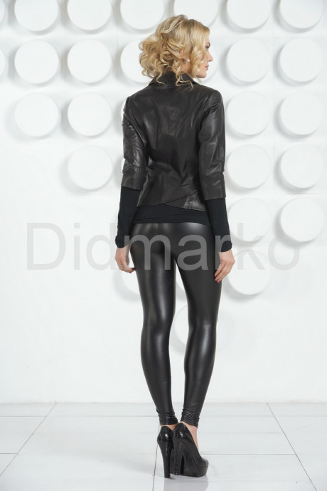 Черная кожаная куртка