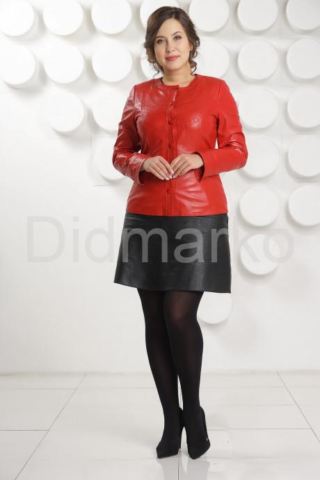 Кожаная куртка красного цвета женская