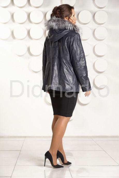Приталенная кожаная куртка больших размеров с мехом