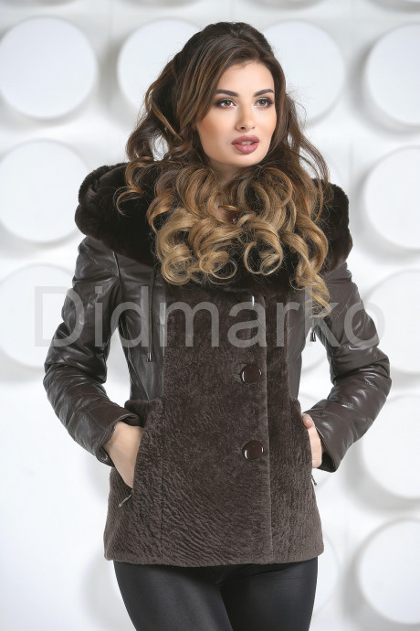 Теплая куртка шоколадного цвета
