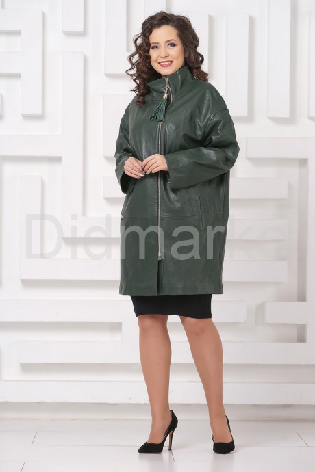 Женский кожаный плащ зеленого цвета