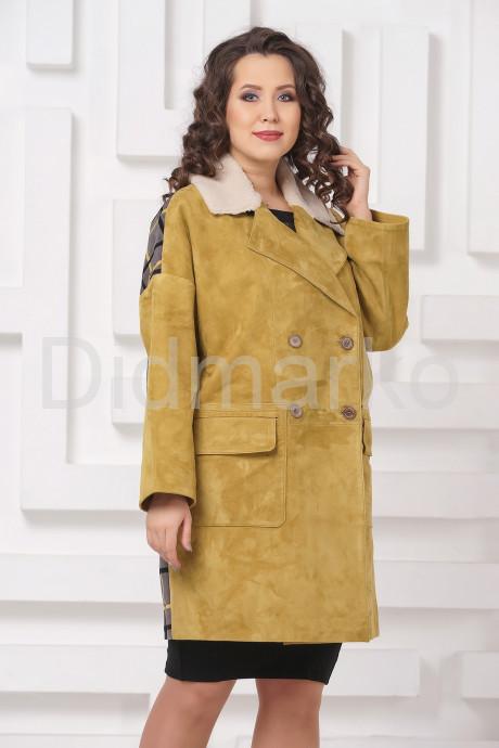 Купить Стильное пальто из замши с мехом керли в Москве и Санкт-Петербурге