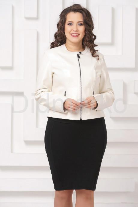 Купить Приталенная кожаная женская куртка молочного цвета в Москве и Санкт-Петербурге