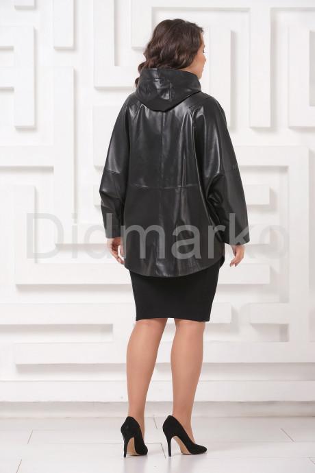 Кожаная куртка больших размеров черного цвета с капюшоном