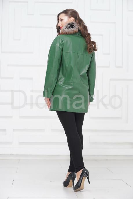 Двубортная кожаная куртка зеленого цвета