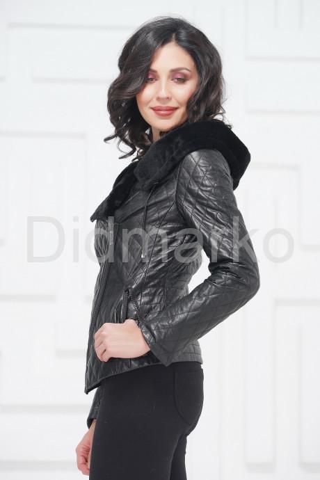 Молодежная кожаная куртка с мехом