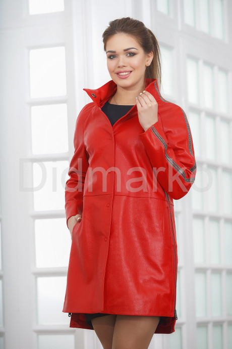 Купить ХИТ СЕЗОНА Весна 2021 Кожаный плащ красного цвета в Москве и Санкт-Петербурге