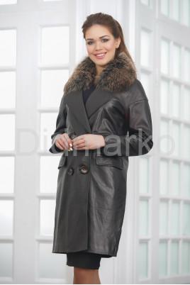 Двубортное кожаное пальто черного цвета