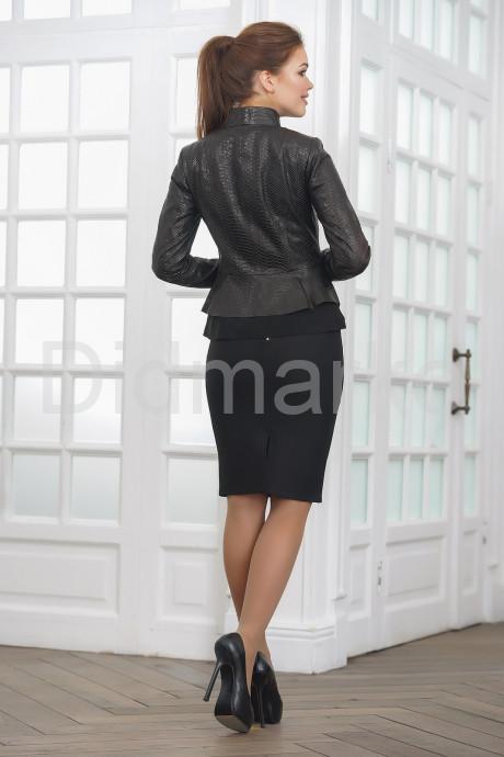 Молодежная кожаная женская куртка под питона Весна 2019