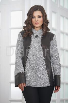 Нарядная женская куртка из замши