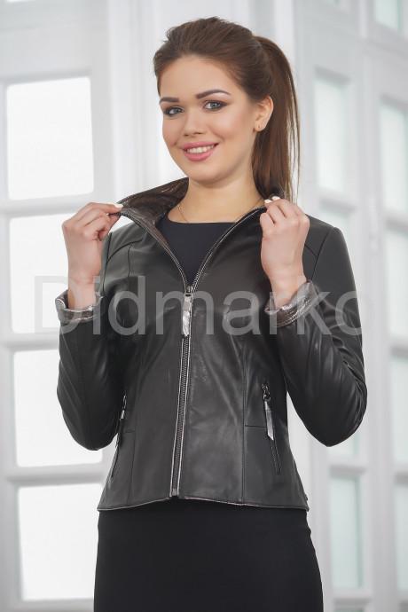 Купить Короткая кожаная женская куртка с серебристым воротом в Москве и Санкт-Петербурге