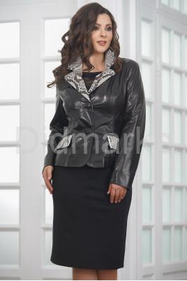 Женская кожаная куртка со вставками из натурального питона