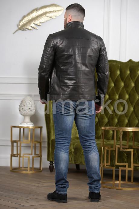 Стильная мужская кожаная куртка с карманами