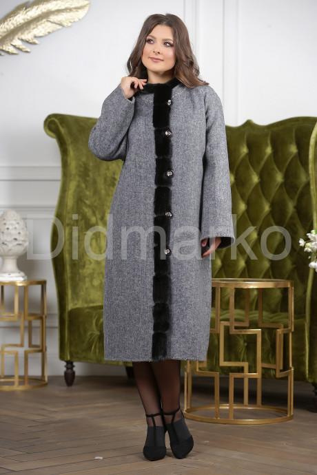 Купить Женское пальто больших размеров в Москве и Санкт-Петербурге