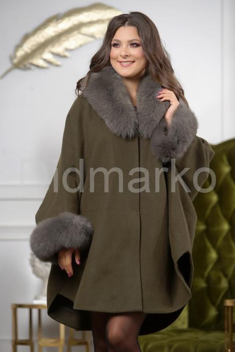 Купить Роскошное шерстяное пончо с мехом в Москве и Санкт-Петербурге