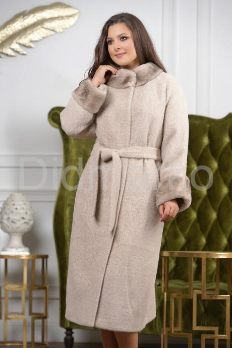Купить Светлое длинное пальто больших размеров в Москве и Санкт-Петербурге