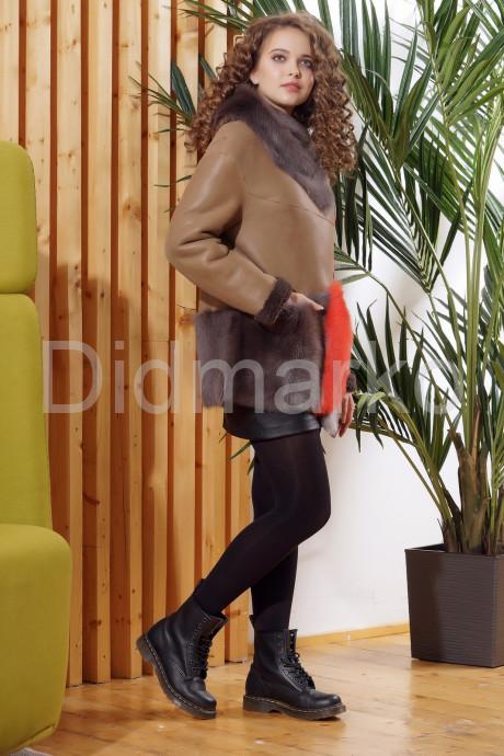Стильная женская дубленка с капюшоном