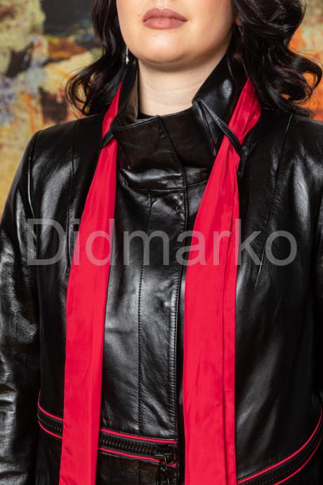 Кожаный плащ со съемным шарфом