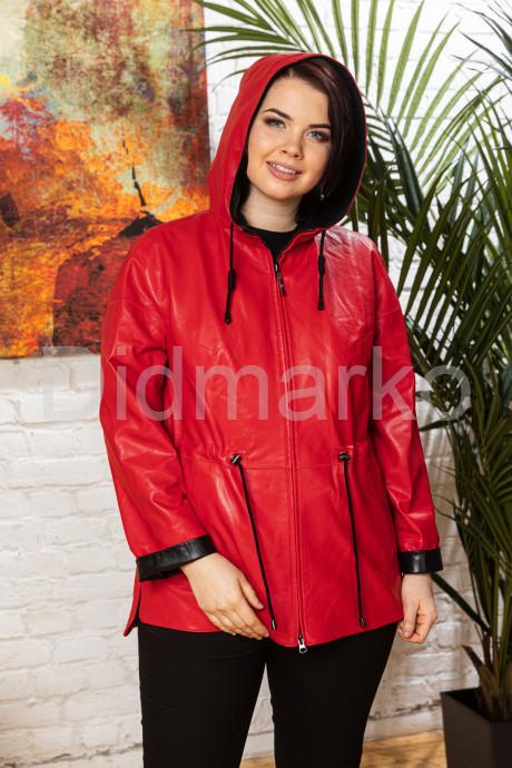 Кожаная куртка с капюшоном женская
