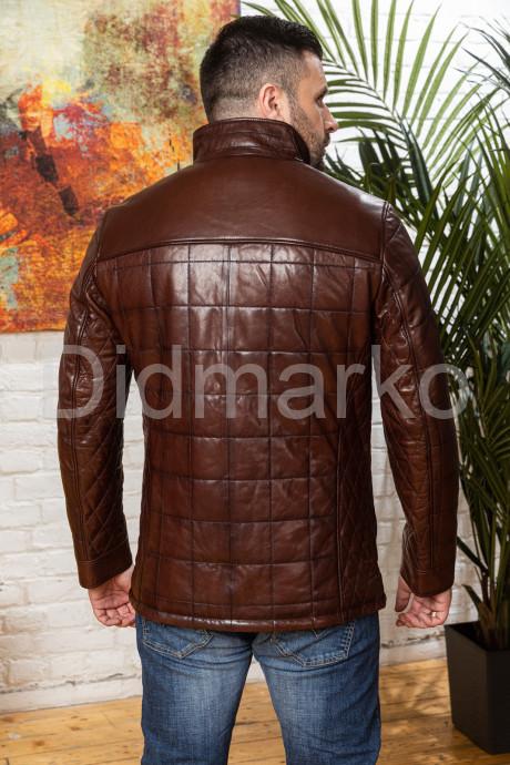 Полуприталенный мужской кожаный пиджак цвета виски