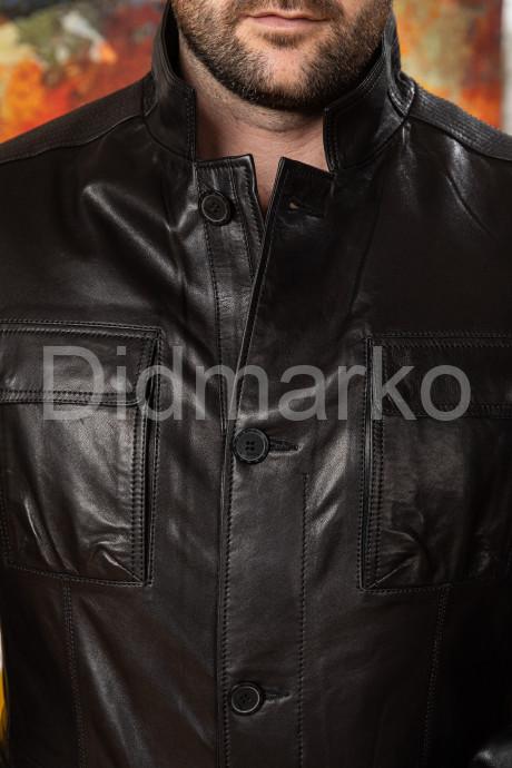 Стильный мужской пиджак на пуговицах