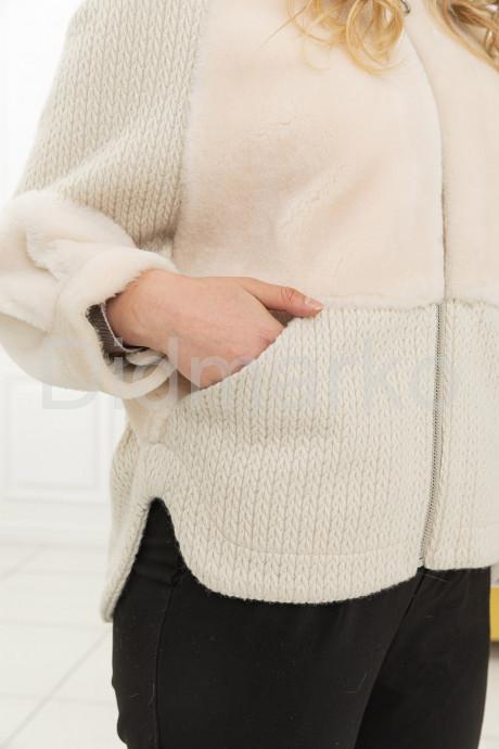 Нежная куртка с вязаными вставками