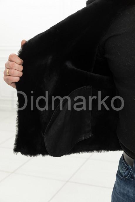 Короткая мужская дубленка из замши