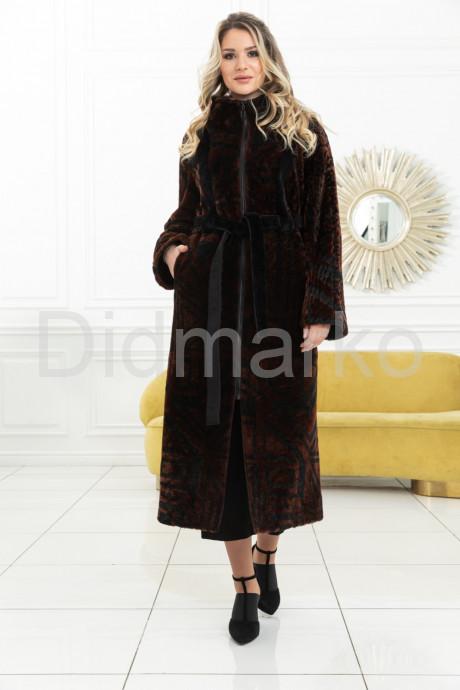 Купить Эксклюзивное пальто из меха астраган - геометрия в Москве и Санкт-Петербурге