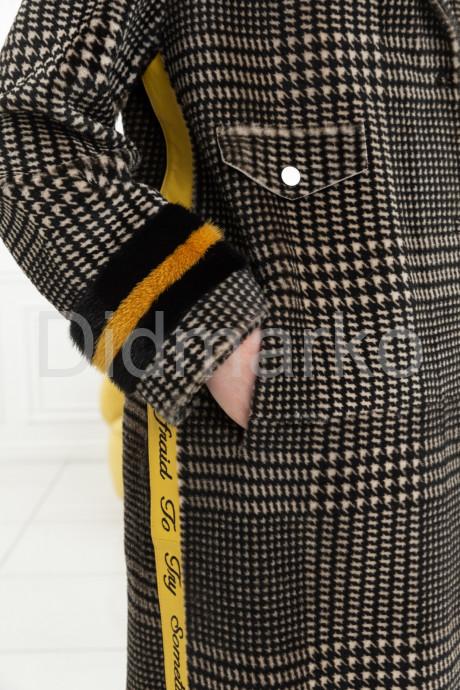 Стильное пальто из меха норки