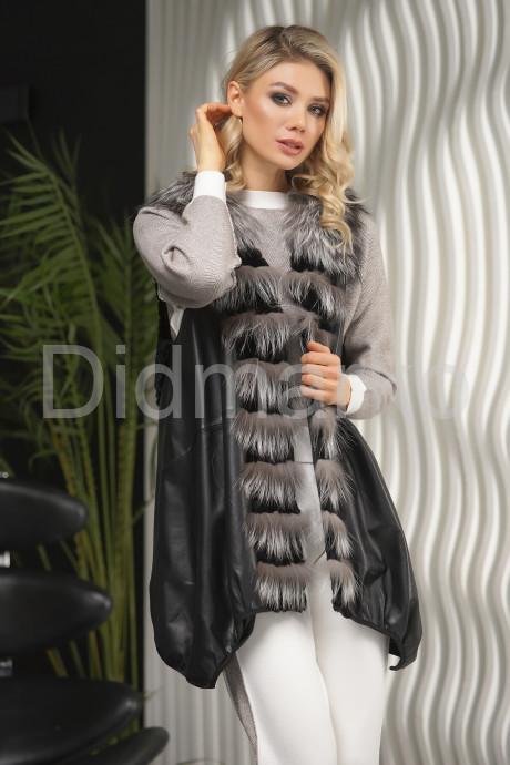 Женский ассиметричный жилет с чернобуркой