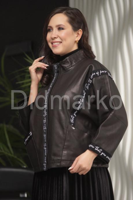 Короткая кожаная куртка автоледи