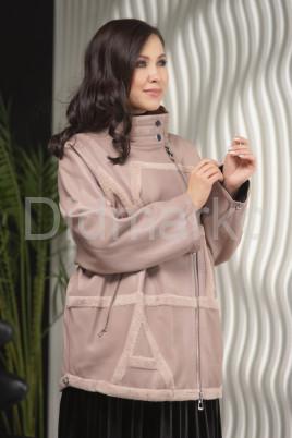 Пудровая кожаная куртка больших размеров