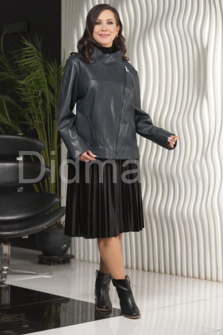 Женская кожаная куртка осень 2021