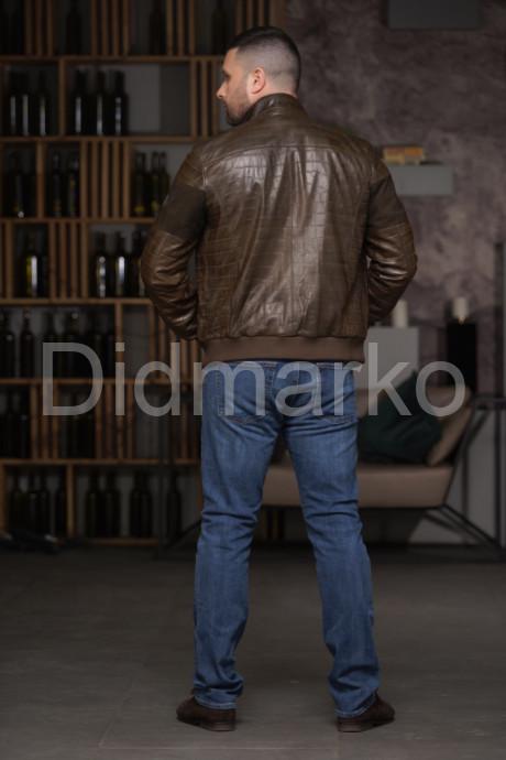 Мужской кожаный бомбер цвета хаки